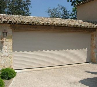 choisir porte garage faible coût